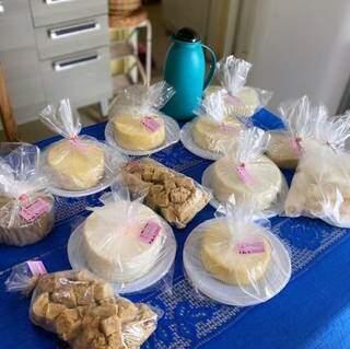 Alguns dos produtos que vêm da fazenda. (Foto: @boahoracafe)