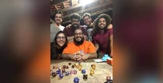 Amigos são apaixonados pelo jogo e sempre se divertem com o rolê. (Foto: Arquivo Pessoal)