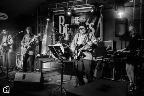 Fim de semana tem show de Beatles Maníacos, Batalha de Bandas e feiras