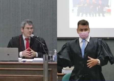 """Promotor e advogado quase """"saem no soco"""" e juiz chama polícia para separar briga"""