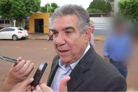Ex-prefeito de Maracaju se apresenta à polícia e está preso em delegacia