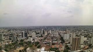 Visão de Campo Grande às 13h17, em câmera instalada no Bahamas Apart Hotel (Foto: Clima Ao Vivo)