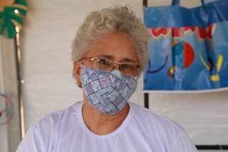 Lucienne comentou que precisa parar para respirar depois de anos como fumante. (Foto: Kísie Ainoã)
