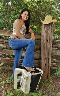 """Atualmente, artista trabalha na composição """"Filha de Campo Grande"""" em carreira solo. (Foto: Arquivo Pessoal)"""
