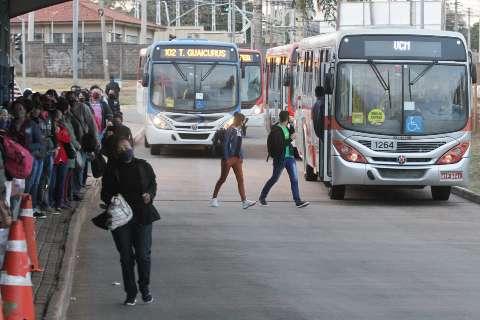 Decreto libera lotação em ônibus e terminais voltam a funcionar até dia 15