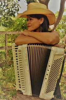 Artista aprendeu a tocar sanfona com 11 anos por influência do pai. (Foto: Arquivo Pessoal)