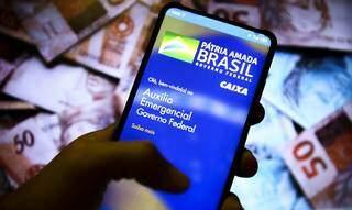 Beneficiários podem acompanhar movimentação por aplicativo de celular (Foto: Agência Brasil)