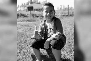Kaio tinha 6 anos e morreu afogado em lagoa. (Foto: Ivinotícias)