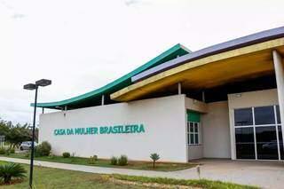 Frente da Casa da Mulher Brasileira na Capital. (Foto: Arquivo/Campo Grande News)