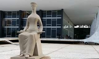 """Estátua que representa a Justiça em frente ao STF (Supremo Tribunal Federal), onde ação """"bateu e voltou"""" (Foto: Agência Brasil)"""