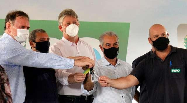 Governo entrega 40 veículos para ações de controle à febre aftosa