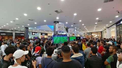 Exposição de games volta com 350 consoles e concurso de cosplay