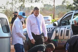 Delegado Camapum atendeu ocorrência no Jardim Inápolis (Foto: Henrique Kawaminami)
