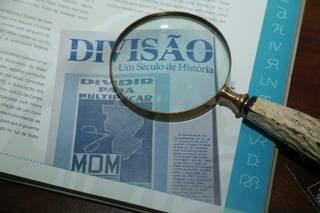 """Movimento """"Dividir para Multiplicar"""" mostra tesoura cortando Mato Grosso. (Foto: Kísie Ainoã)"""
