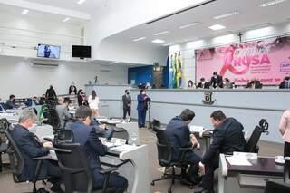 Vereadores durante última sessão ordinária, na quinta-feira, dia 7. (Foto: Divulgação/Câmara Municipal)