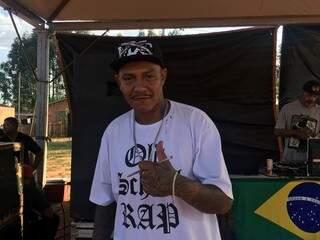 Idealizador do projeto, rapper CLR, proporcionou dia especial na periferia. (Foto: Jéssica Fernandes)