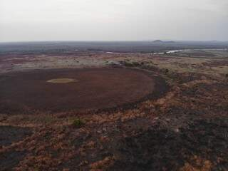 Área rural queimada no Pantanal sul-mato-grossense, depois de atuação de combate ao fogo feito na Operação Hefesto. (Foto: Reprodução/Corpo de Bombeiros Militar)