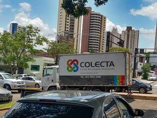Empresa já conseguiu encher um caminhão-baú, que vai levar os materiais para a correta destinação em São Paulo. (Foto: Marcos Maluf)