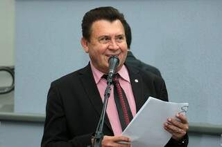 Vereador Valdir Gomes (PSD) durante sessão da Câmara. (Foto: CMCG/Divulgação)