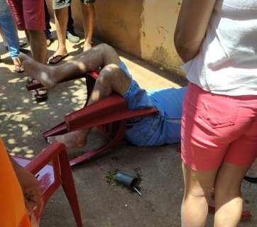 Homem é morto e vereador ferido em roda de tereré