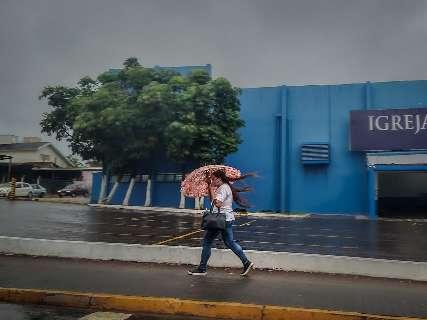 Municípios de MS enfrentam seis alertas de chuva forte e tempestade
