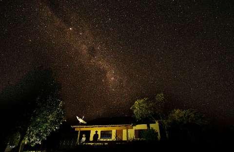 Céu de estrelas de fotógrafo sul-mato-grossense abre exposição