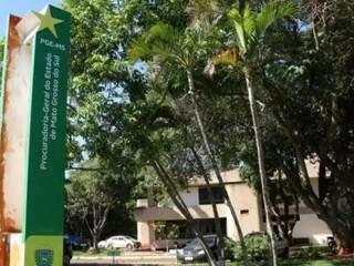 Procuradoria-Geral do Estado, localizada no Parque dos Poderes, em Campo Grande. (Foto: Henrique Kawaminami)