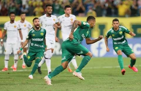 Com gol de pênalti, Cuiabá venceu o Sport por 1 a 0