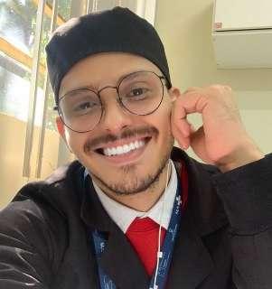 Morre dentista vítima de homofobia na fila da vacina