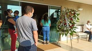 Adeus a Gustavo nesta tarde no Cemitério Parque Campo Grande. (Foto: Kísie Ainoã)