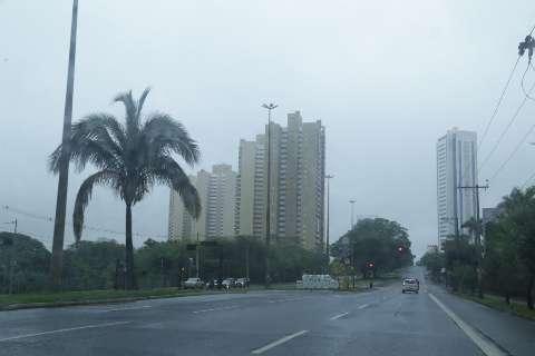 Tempo continua instável e sábado será de mais chuva com ventania em MS