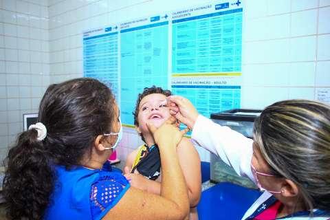 Em 15 dias, 2,6 mil crianças e adolescentes receberam doses de multivacinação