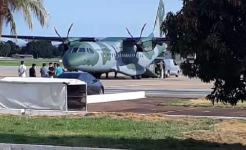 Avião da FAB leva para Goiás corpos de vítimas de acidente com embarcação