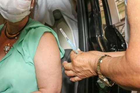 Capital retoma vacinação contra covid na tarde desta segunda