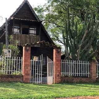 "Casal troca Capital por vida desacelerada em rancho com ""praia"""