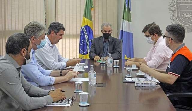 """""""Teremos 100% da energia restabelecida até terça"""", diz Reinaldo"""