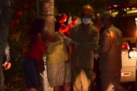 Após quase 2 horas e tiros, reféns são libertadas e dupla é presa