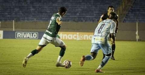 Goiás e Londrina não saem do empate em 0 a 0
