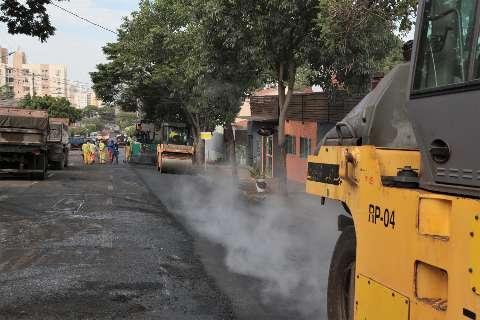 Rua 7 de Setembro fica com quadra fechada para obra de recapeamento