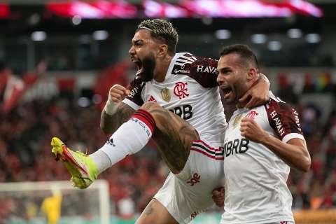 Flamengo e Athletico-PR empatam em 2 a 2 no jogo de ida da semifinal