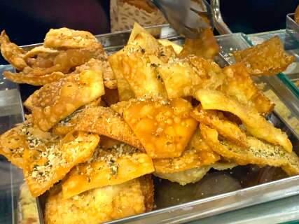 """""""Cavaco"""", chipa, pães... padarias de supermercados ainda têm salvação"""