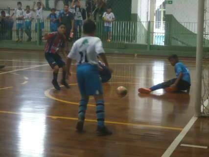 Goleada por 9 a 0 marca antepenúltima rodada classificatória da Copa Pelezinho