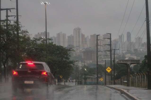 Após chuva de granizo, instabilidade predomina neste domingo no Estado