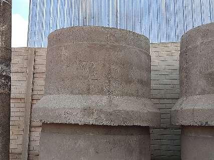 Peça de concreto cai e atinge cabeça de trabalhador em fábrica de pré-moldados