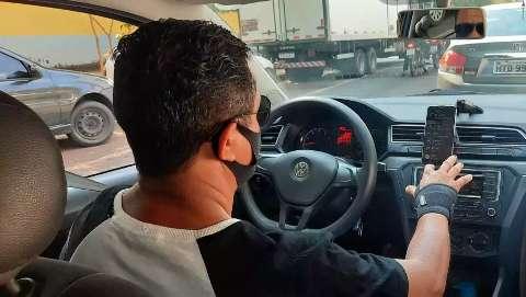 Você acha que motoristas de aplicativo devem pagar imposto para trabalhar?