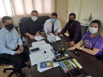 Novo plano de cargos e carreiras do Legislativo de Dourados é assinado