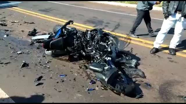Piloto morre e moto fica destruída em acidente na BR-262