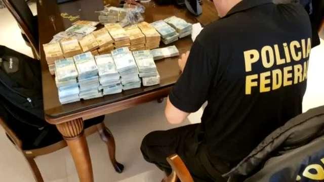 PF conta pilha de dinheiro encontrado em operação